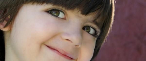 Lachend hsp kinderen - overgevoelig kind